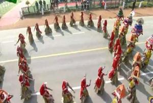 Republic Day parade 2020: School kids perform traditional dance forms