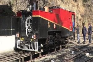 117-year-old heritage steam engine is giving foreign tourists a taste of history