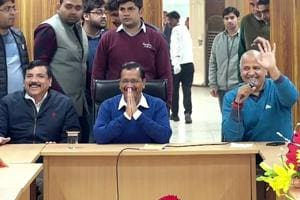 Kejriwal to share stage with 60 'architects of Delhi' in swearing-in ceremony