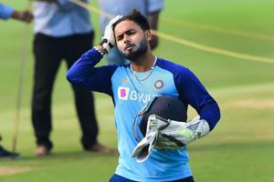 India vsNew Zealand:Rishabh Pant showcases return to form with two back-to-back sixes ahead of 1st Test -WATCH
