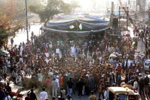 Who are the 3 mediators appointed by Supreme Court to talk to Shaheen Bagh protesters