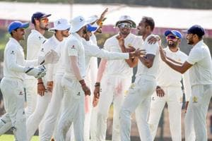 Karnataka mines talent, Mumbai bowling pool dry
