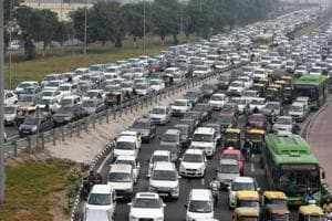 Man complains of traffic jam, UP police ask him to manage instead for 2 hours
