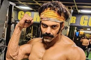 Arya teases with glimpse of ripped look for Pa Ranjith's next film, see pics