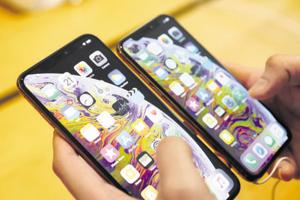 Apple could let users choose third-party services as default apps on iPhones
