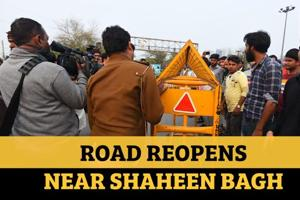 Watch: People celebrate as Jamia to Noida road near Shaheen Bagh re-ope...