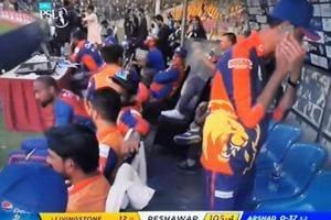 Dean Jones clarifies, reveals identity of Karachi Kings member using mobile during PSL match