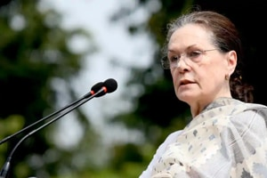Sonia appeals for peace, says no place for violence in Gandhi's India
