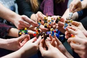 Creator of LEGO figure dead at 78