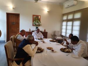 Mamata Banerjee meets Amit Shah in Odisha, doesn't lash out at Centre