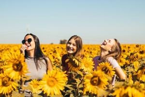 Here's how to be a good friend, spend time together and more this Friendship Day