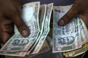 Rajasthan police officer caught taking bribe of Rs 2 lakh, his gunner opens fire on ACB team