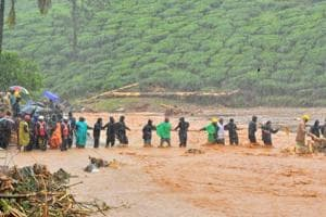 Massive landslide in Kerala's Munnar, several tea estate workers feared trapped