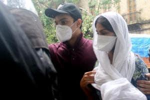 EDquestions Rhea Chakraborty for 9 hours in Sushant Singh Rajput death case