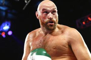Tyson Fury says he'll fight in London in December