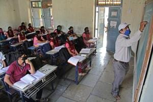 West Bengal govt accepts expert panel's recommendation to reduce syllabus for classes 10th and 12th  for 2020-21