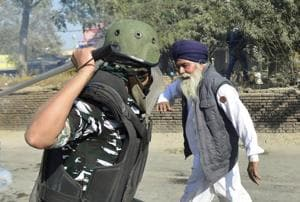 'Sad': Rahul Gandhi tweets, sharing viral photo of farmers' protest