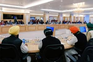 'Govt will benefit from farm laws, not us': Farmers' leaders at meeting with centre