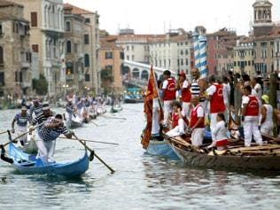 Yachting through Grand Canal