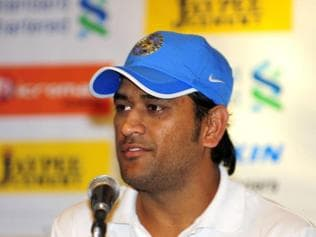 Lights out at Green Park, Dhoni happy