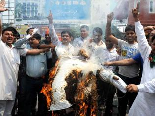 Cong defends, opposition slams fuel price hike