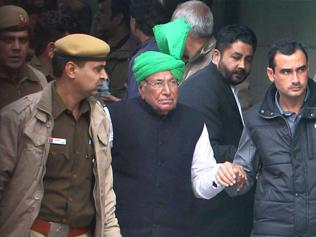 Haryana: Out on bail, Chautala seen addressing