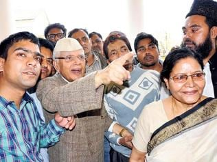 Tiwari dumps Cong, asks supporters to vote for the 'right candidate'