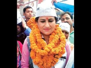 Bhojpuri starlet gets 6,430 votes as AAP candidate, ends up with Rs 2.5-lakh debt