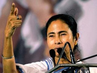 Mamata backs enclave exchange, but seeks rehab package from Centre