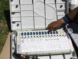 4th phase: 49% cast vote in J-K, 61% in Jharkhand