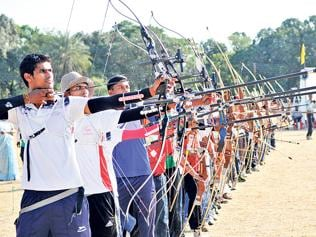 Busy 'sightseeing', archers miss medal match
