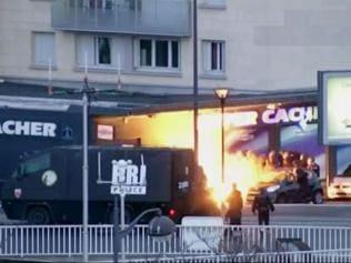 Paris twin terror attack: Police kill gunmen in dramatic assault