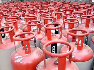 MP government saves crores as 15% LPG consumers yet to link bank accounts