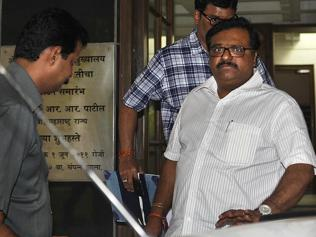 Bhujbal's nephew questioned for 3 hrs again; ACB could probe son Wednesday