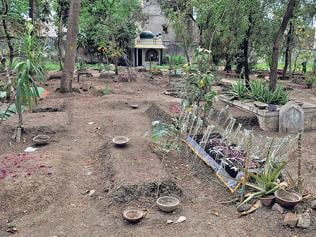Dilapidated graveyard irks Muslims in Indore