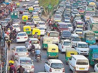 Despite being less polluted than Delhi, Paris fighting it better