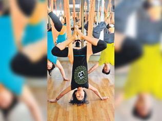 Aao twist karein! Modern adaptations of yoga