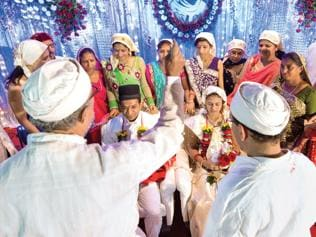 The curious case of the vanishing Parsis