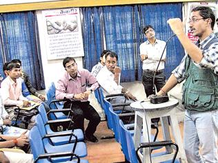 Now you can do a diploma course on how to catch, identify snakes
