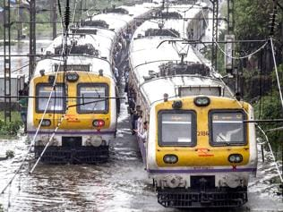 Crimes in Mumbai local trains