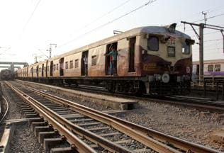 Woman jumps off train with child, husband to flee molesters