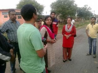 Indore: Officials step out to catch villagers with 'pants down'