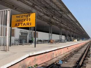 Pak summons Indian diplomat over Samjhauta Express cancellation