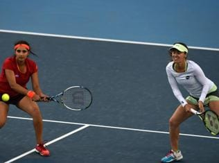 Mirza-Hingis in China Open final, one win from 8th title together
