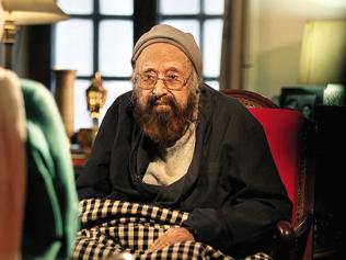 Brunch recommends a new anthology of essays by Khushwant Singh