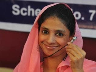 Indore: Geeta shares memories of family with media at IBDA