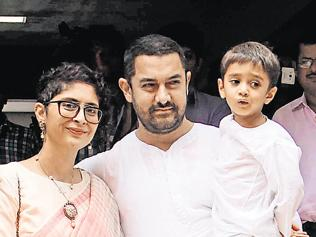 Under fire, Aamir asks wife Kiran to leave Mumbai for a few days