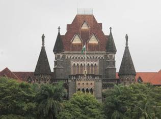 Bombay high court reunites Hindu-Muslim couple from Rajasthan