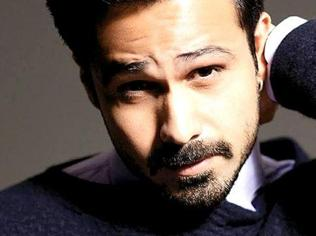 Snipping the kissing scene in Spectre illogical: Emraan Hashmi