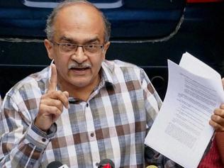 Bhushan challenges Kejriwal to public debate on Jan Lokpal Bill